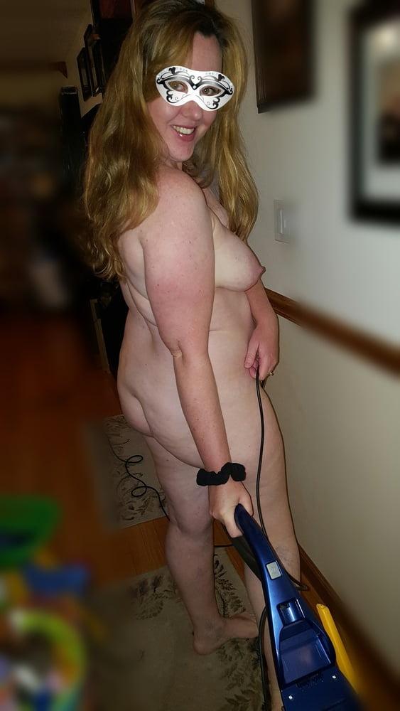 Nude vacuuming