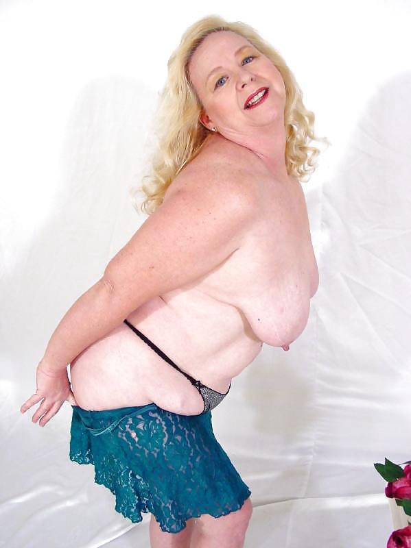 striptiz-tolstih-starushek-foto