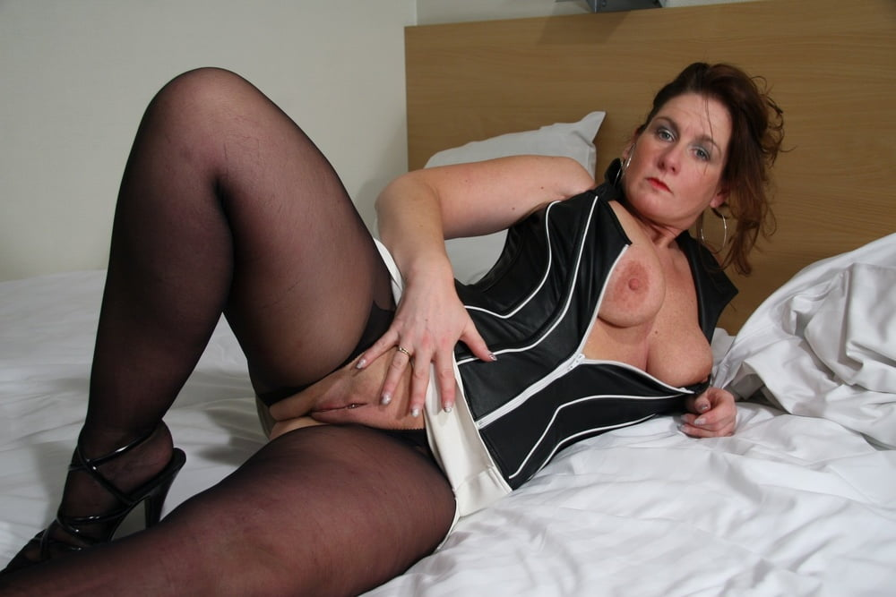 nude-video-moms-nylons-sexy