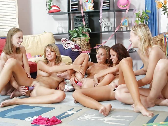 seks-lesbiyskiy-devichniki-onlayn-porno-seksi-telki-seks-za-dengi-video