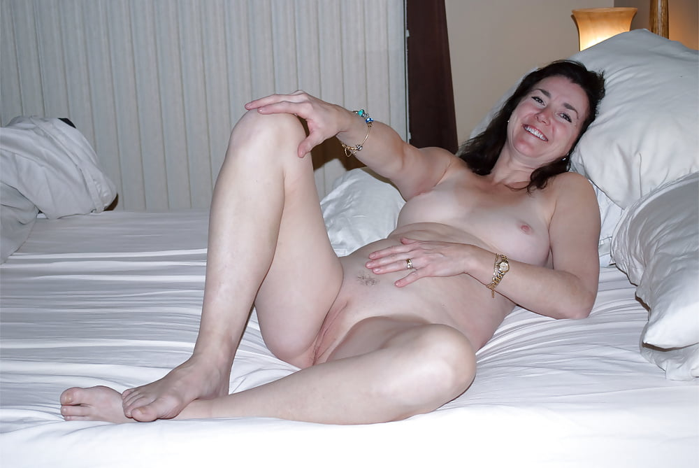 Mother nude amateur — photo 13