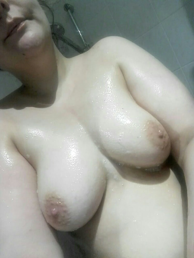 New pictures of my slutty holes - 21 Pics