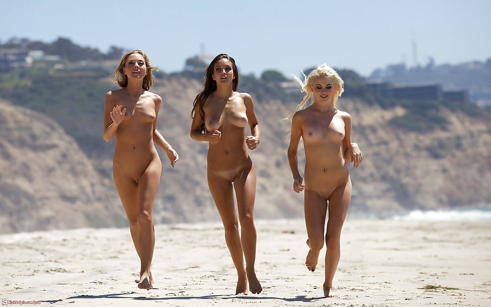 Naked hot horny girls at beach — photo 11