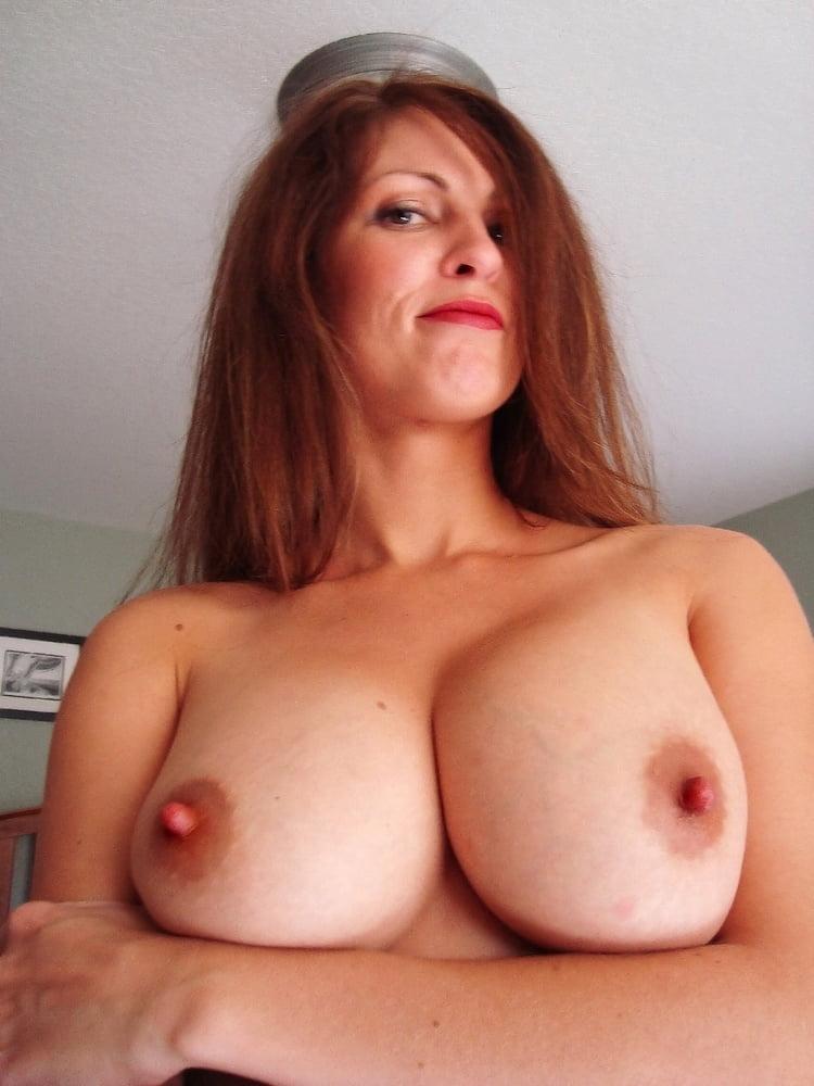 Free big milf tits pics