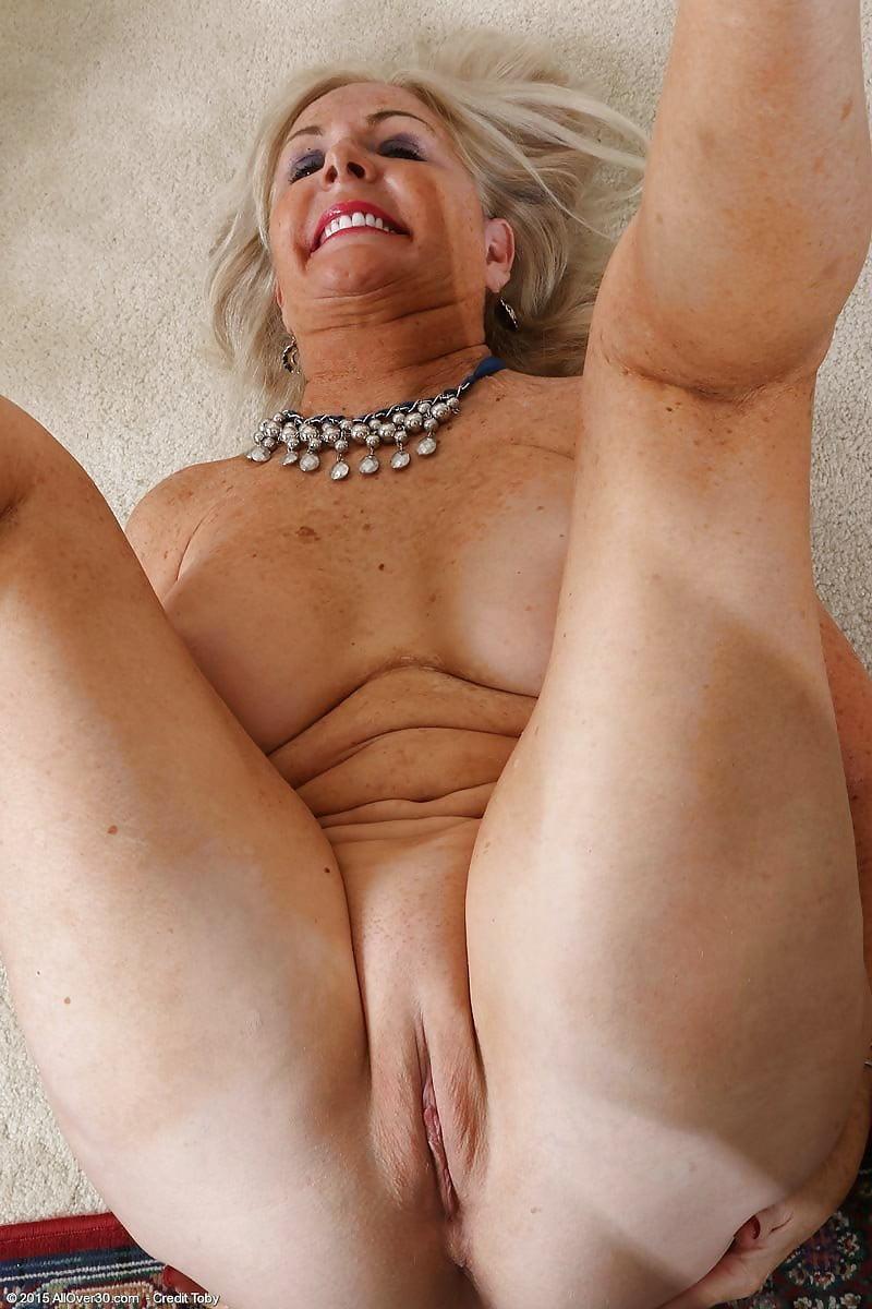 нравился байрон, фото бритих старих баби клеенка отыскалась кухонном