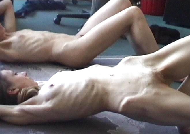 seks-s-bryunetkoy-anoreksichkoy