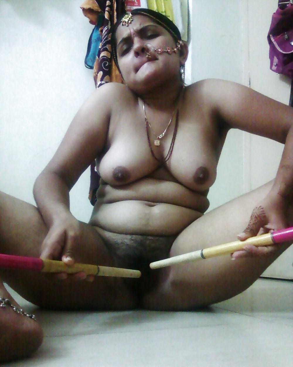 nude-mangla-bhabhi-picture