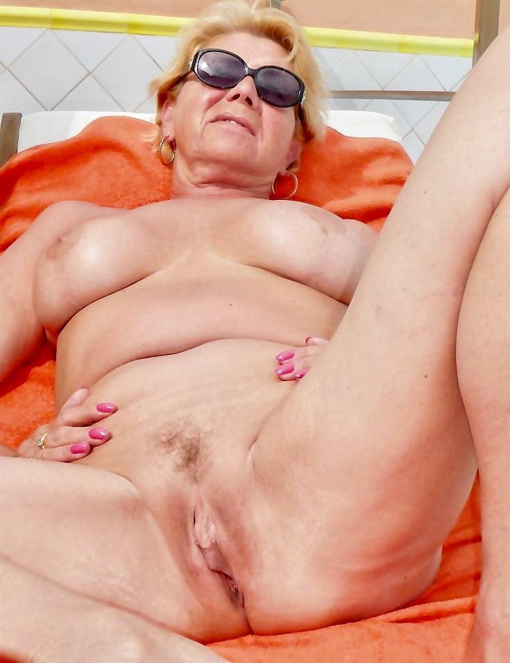 Super Hot Granny Porn