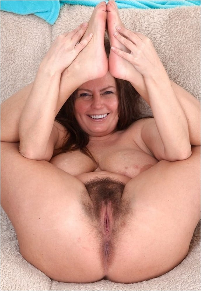 Mature Alexis May, Big Tits And Hairy Pussy - 35 Pics -7014