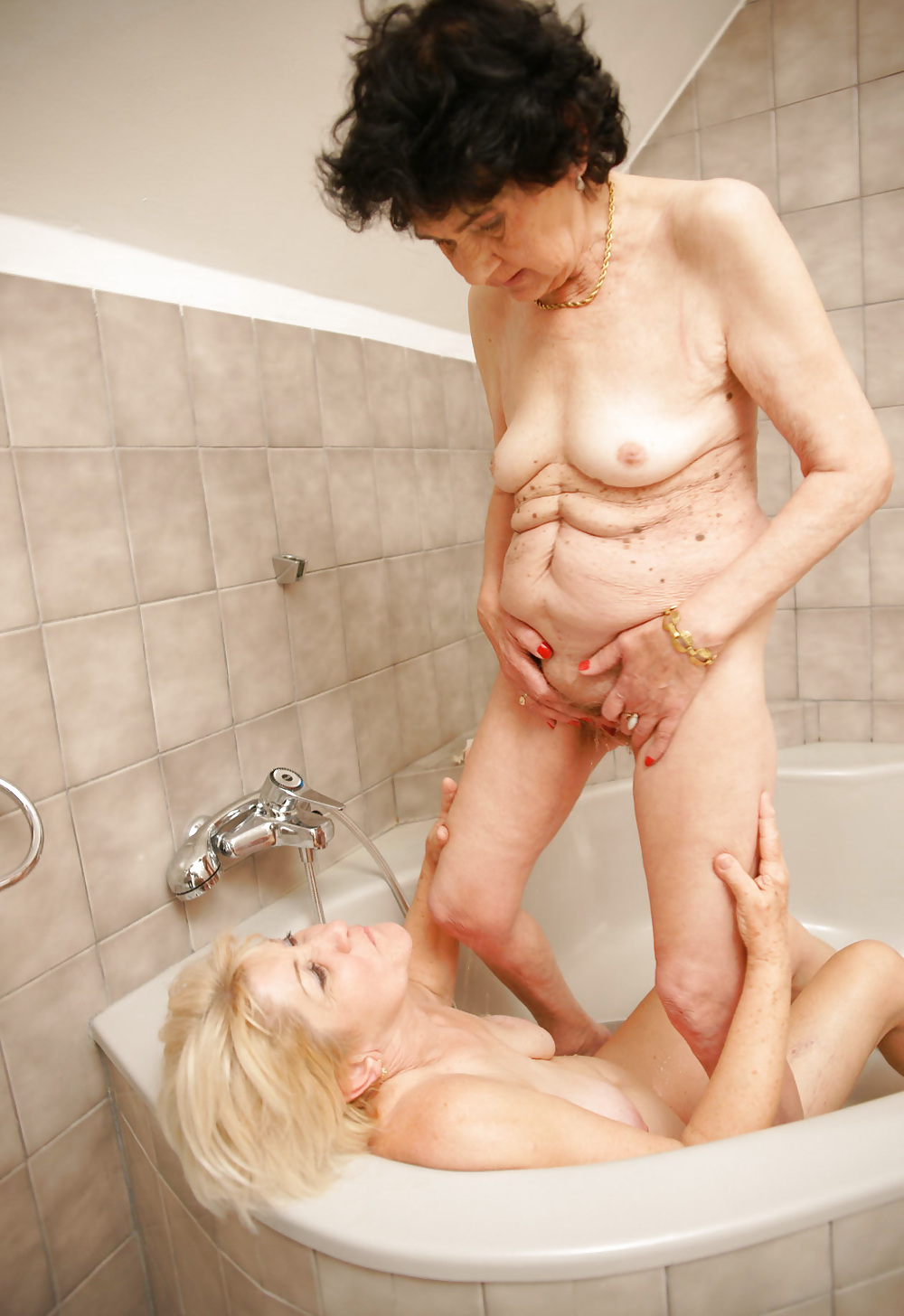 granny-lesbians-and-young-girls-junior-petite-pants