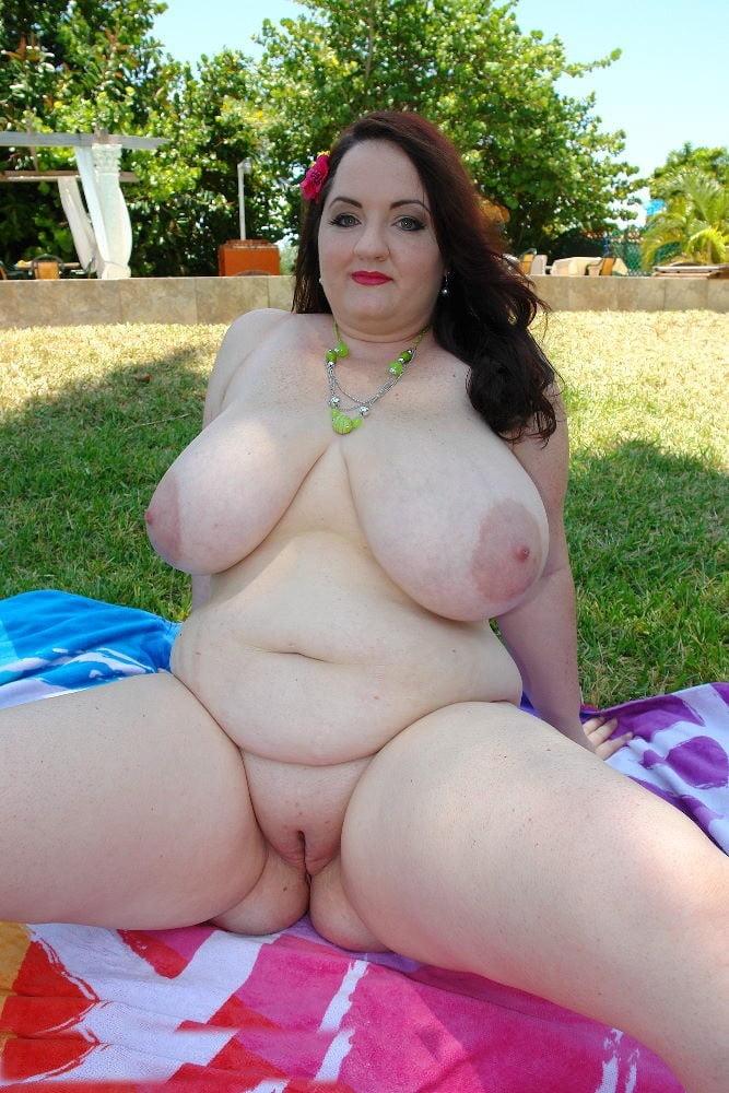 Full length chubby bbw
