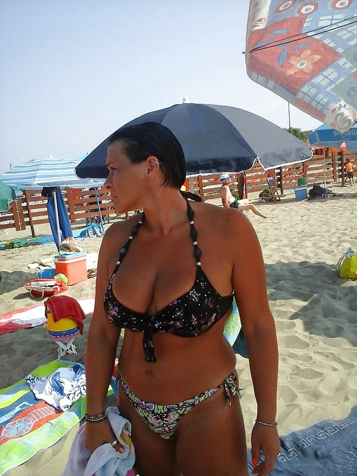 Sexy italian mature tits, swinger group pei