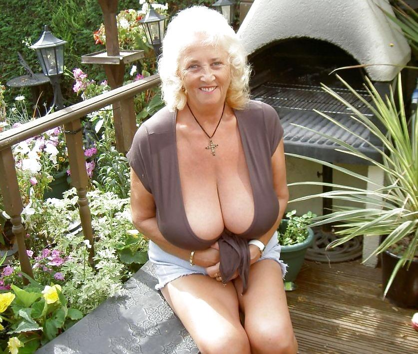 Senior Woman With Big Tits Amateur Pics