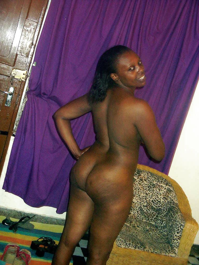 nude-kenyan-gals