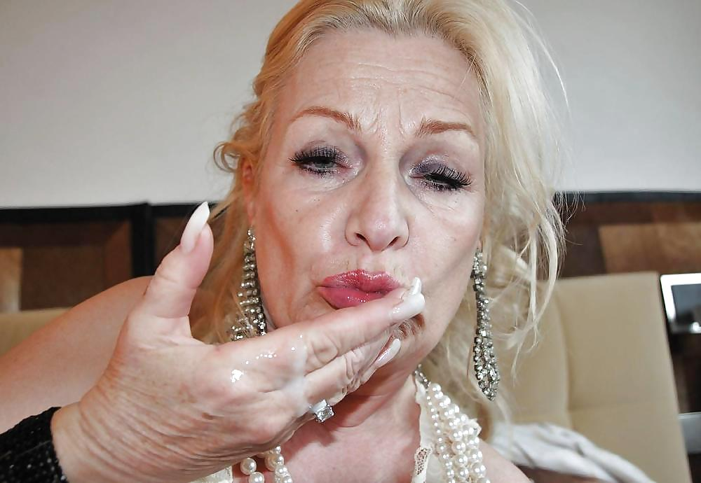 Mature woman caught pissing