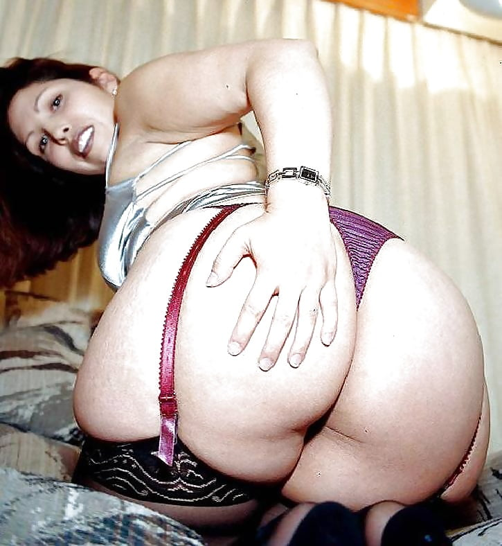 young-big-booty-girls-with-fat-pussys