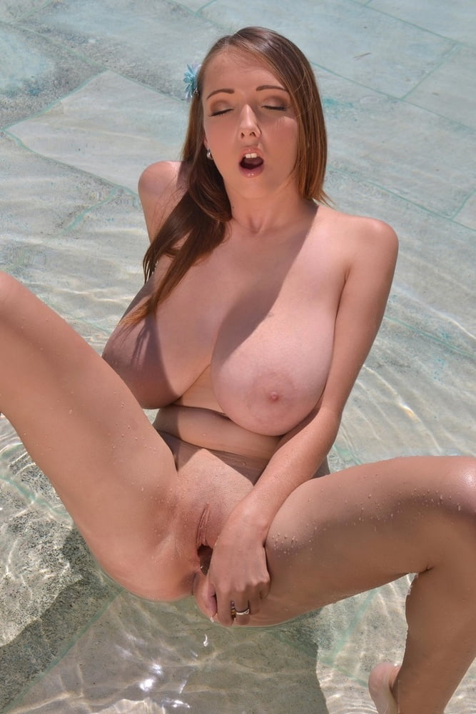 Janas Special - Czech Bombshell Lucie Wild Plays With Her- 45 Pics