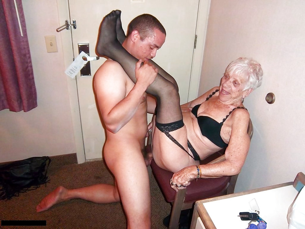 Young Man Licks And Fucks Granny Vagina