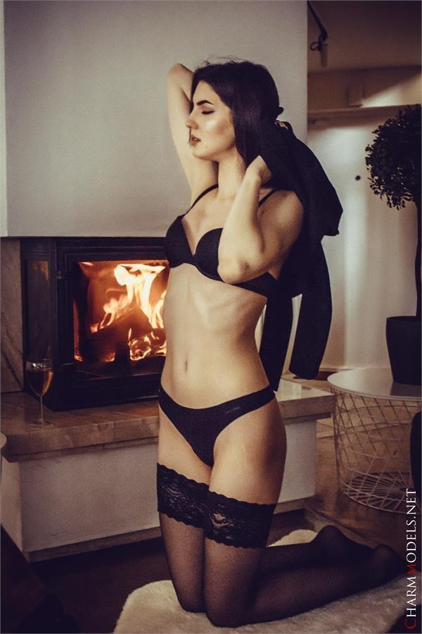 Summer Arabian girl in lingerie and black stockings - 16 Pics