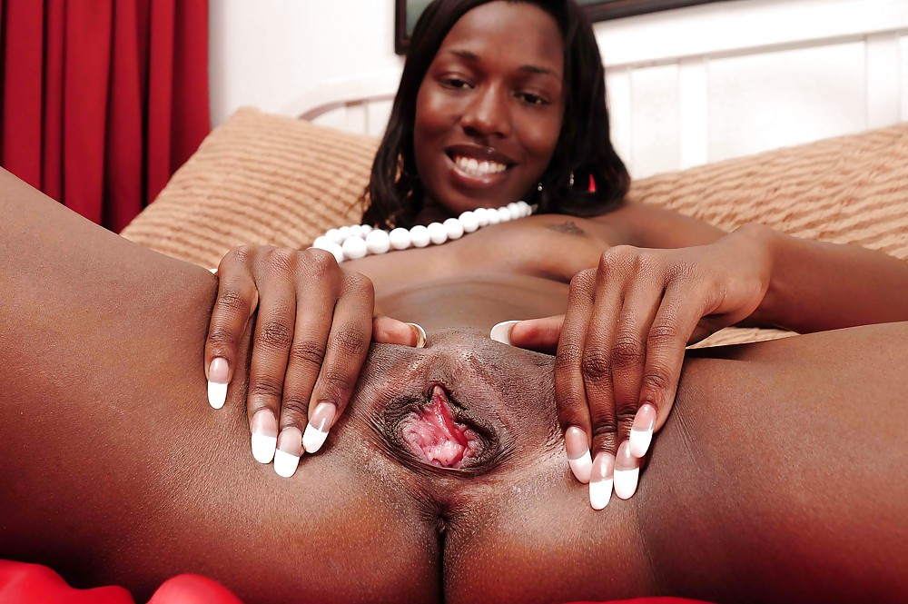 naked-black-girls-spreads-pussy-lips-ass-black