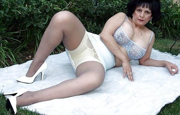 Русское ню видео пожилых, отсосал у шефа порно скр камера