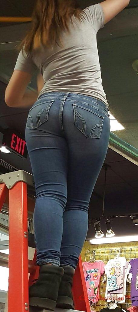 Candid Jeans Ass
