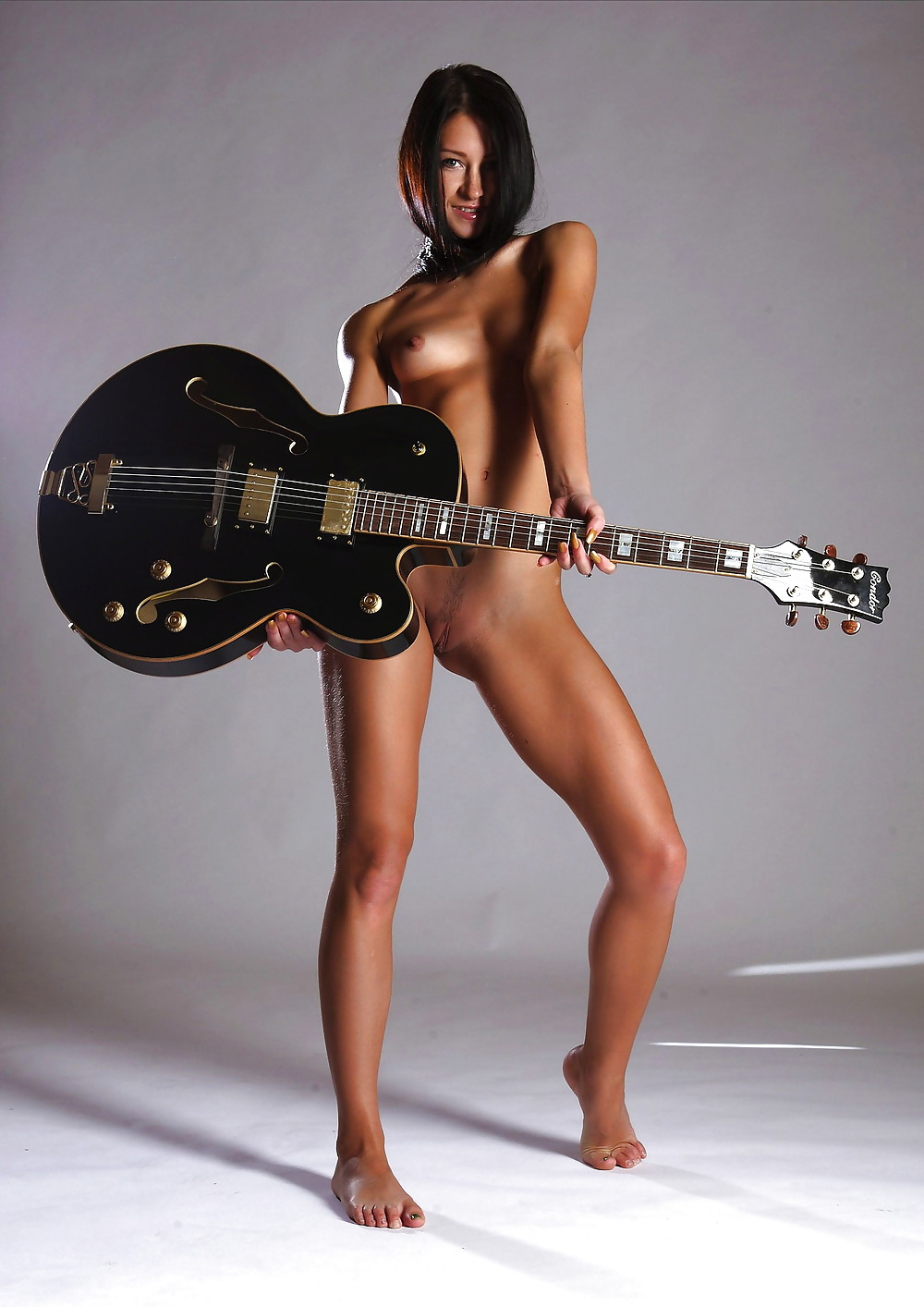 Naked chinese girl guitarist 6