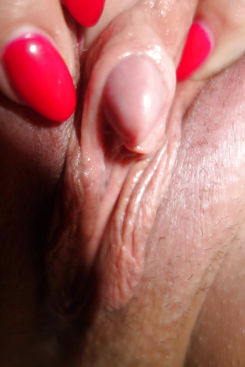 tight-and-moist-clit-selfie-shaved-small-round