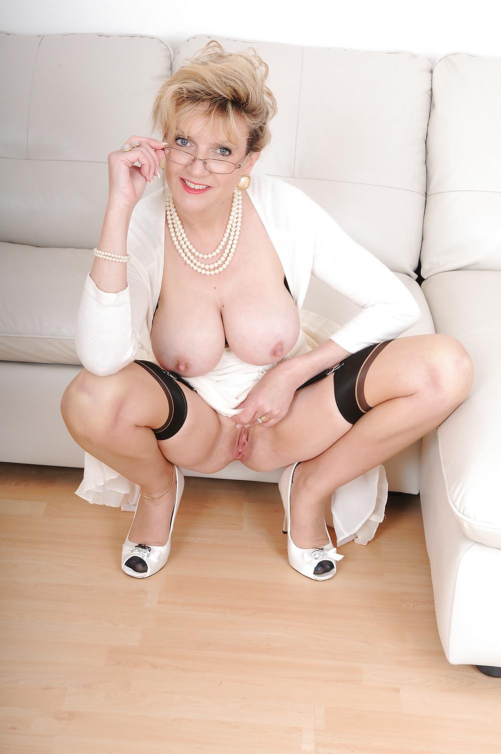 Тетя соня порно-фото #13