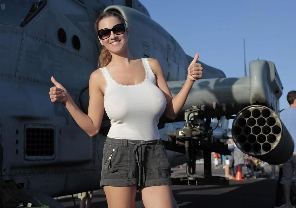 Huge tits tank top