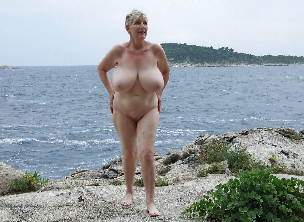 Huge amateur boobs pics-3875