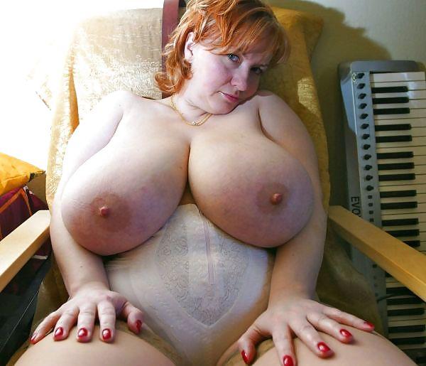 большие дойки зрелой тети анал