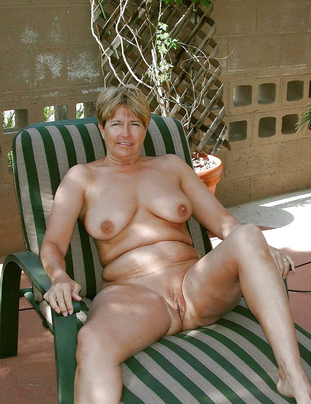 danish-mature-nude-women-force