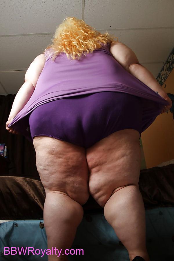 Огромные волосатые попки женские