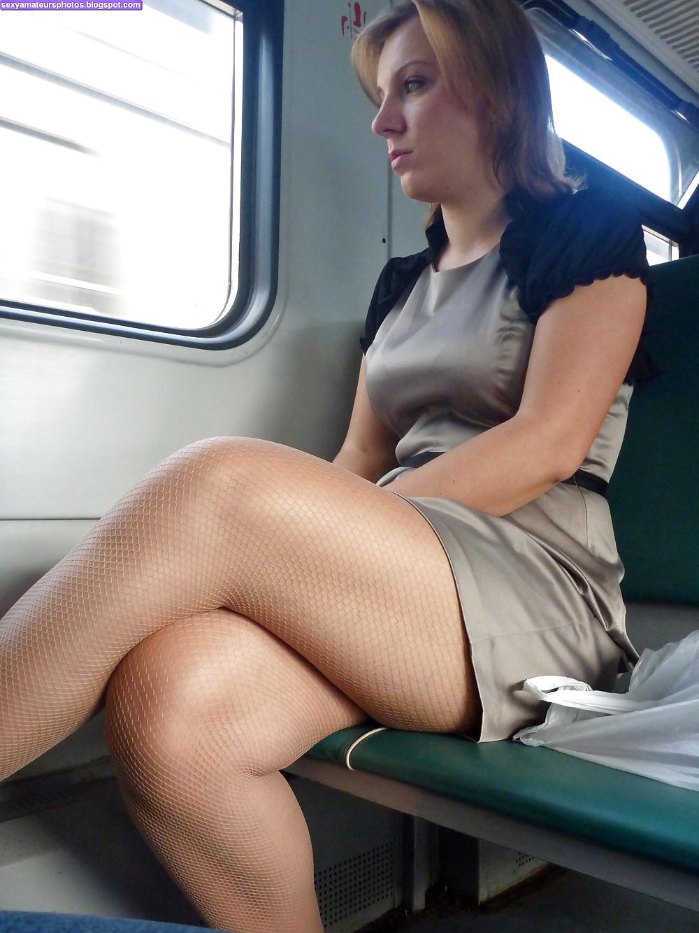 Видео парень секс в транспорте в поезде обеликс