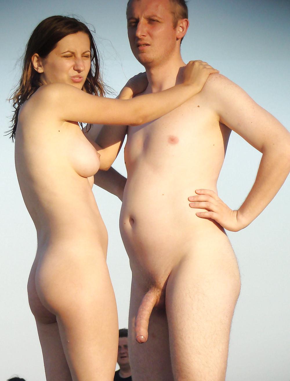 nude-couple-in-joy