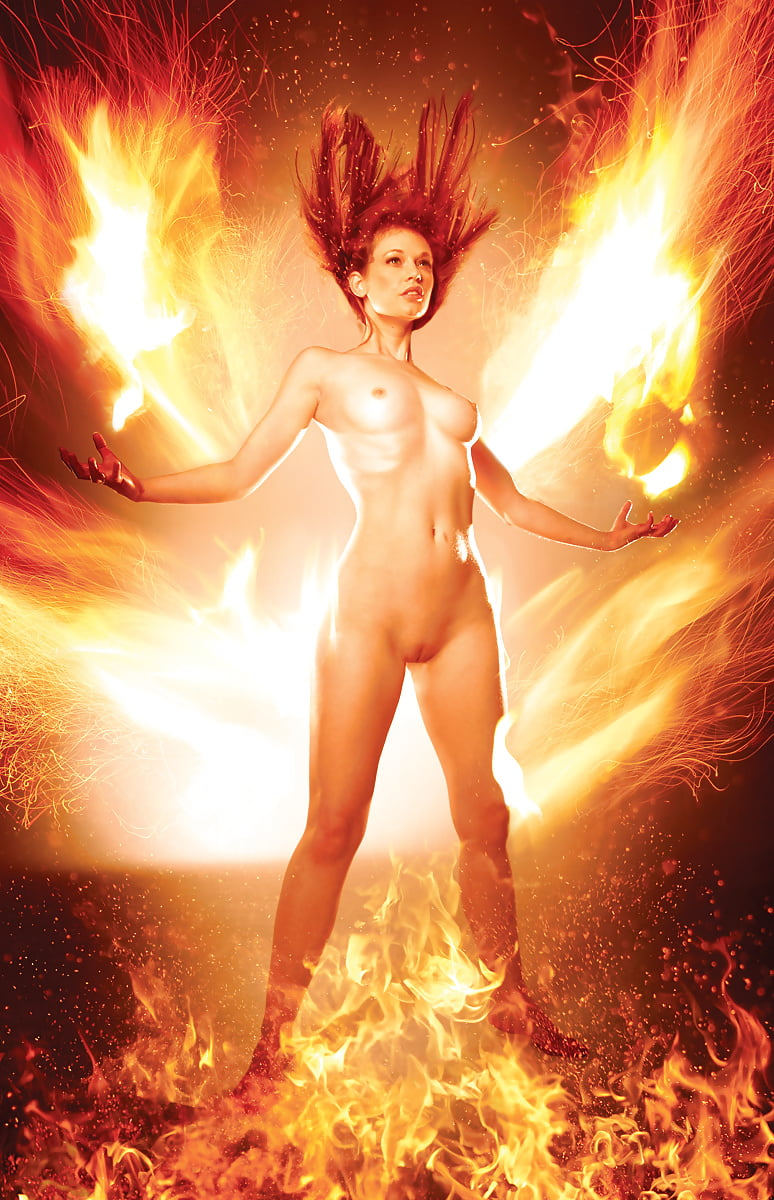 Leanna Decker Nude In Girl On Fire
