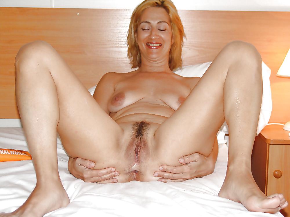 Lesbian milf porn video