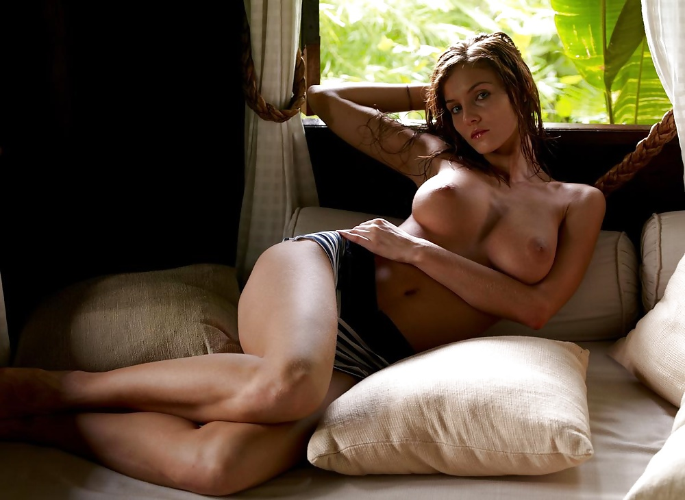 Linda palacio nude topless pics colombian model is sexy