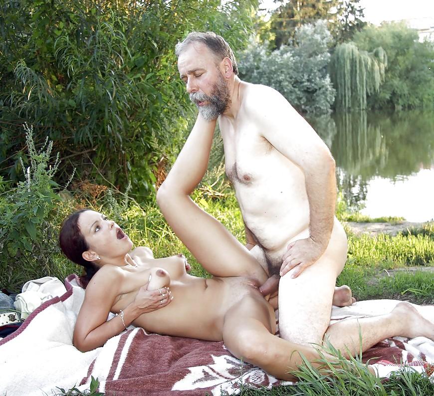 молодая со старым порно - 14