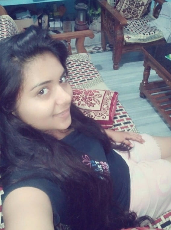 Beautiful Cute Bengali Booby Girl Small Set - 7 Pics