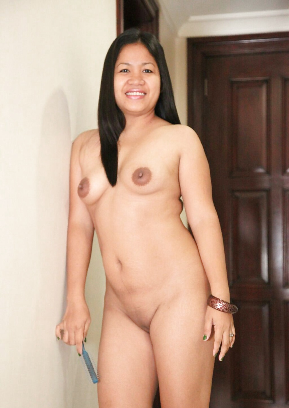 Filipina mom shanell danatil naked playing with cock