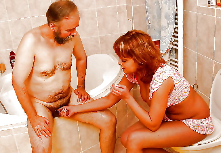 Dad sex daughter in bath — 6