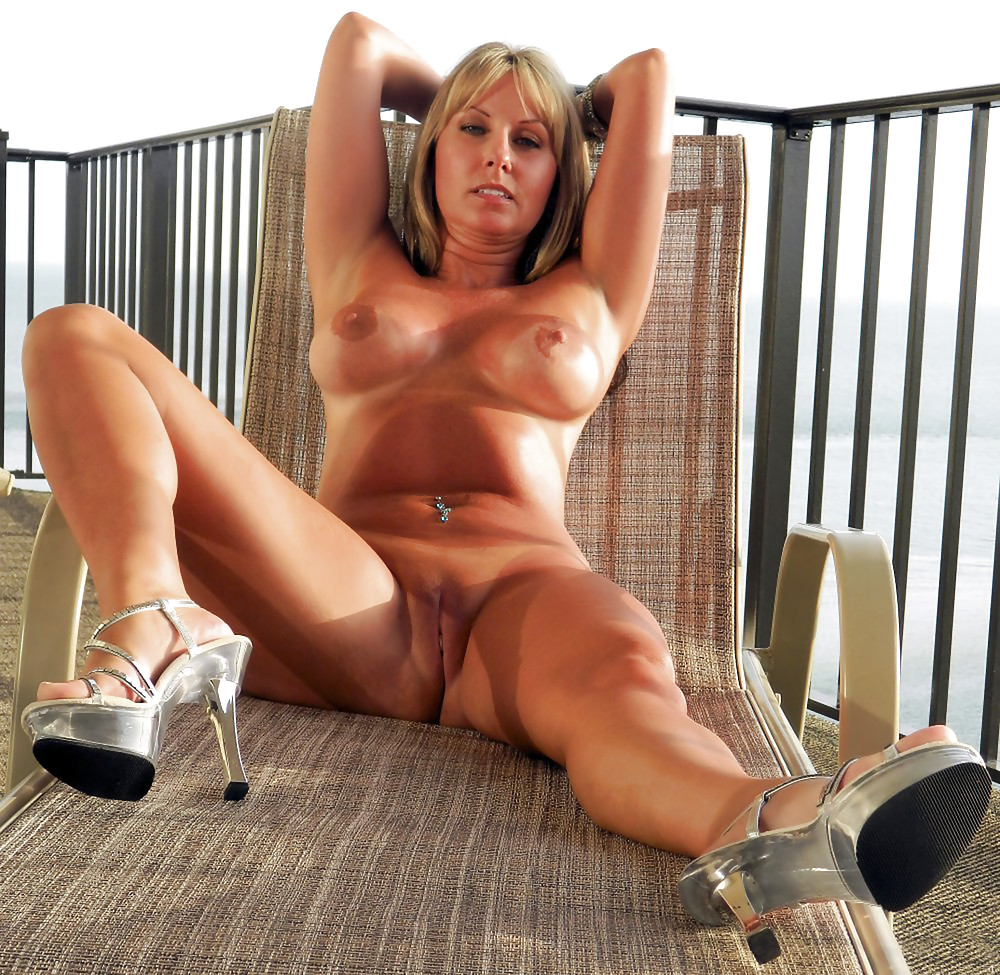 naked-blond-mature-woman-hispanic-women-nude-self-shot