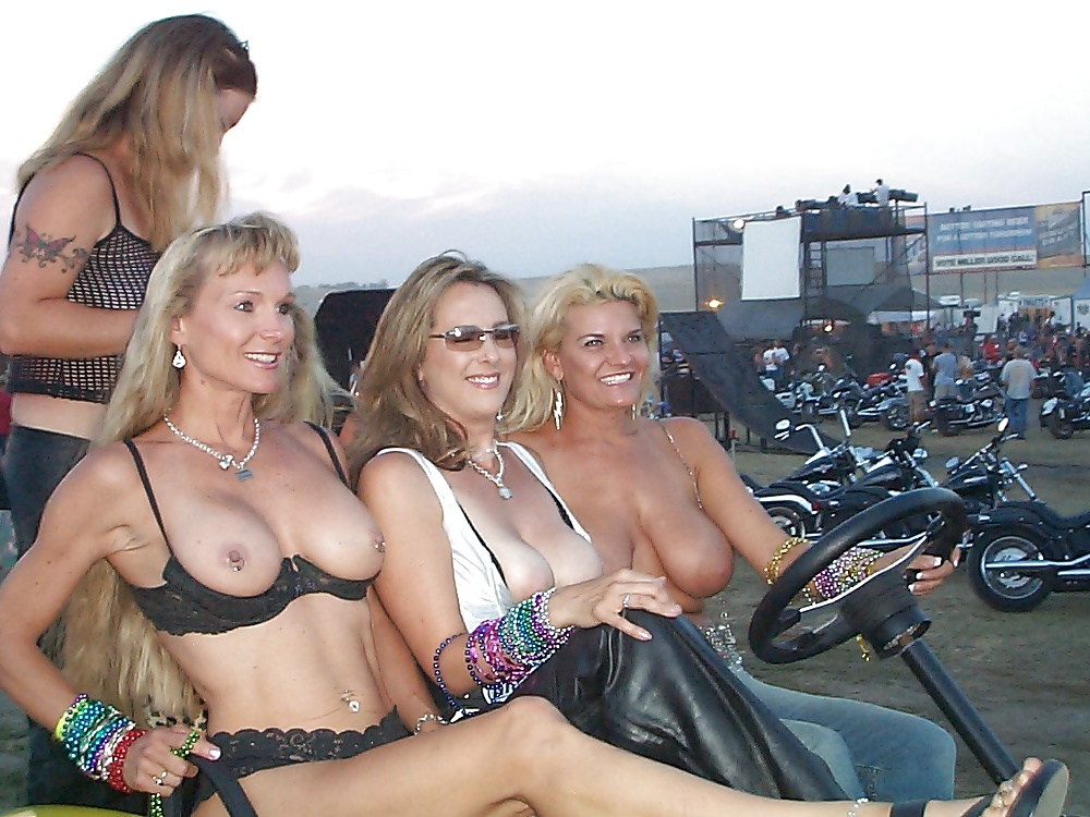 fuck-naked-at-biker-rally-nude-and-mother
