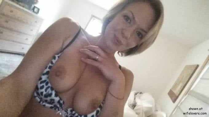 Hannah from Sioux City, Illinois, United States - 19 Pics