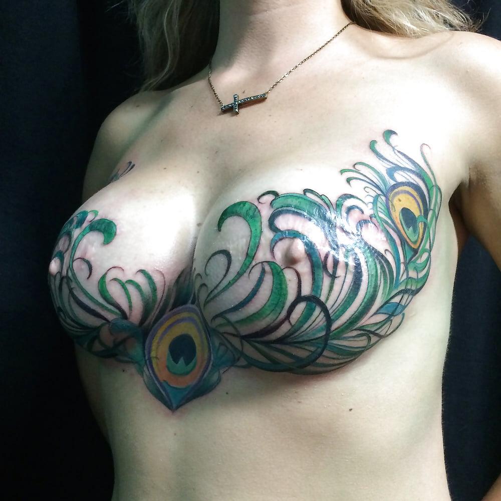 naked-women-breast-tattoo-women-suck