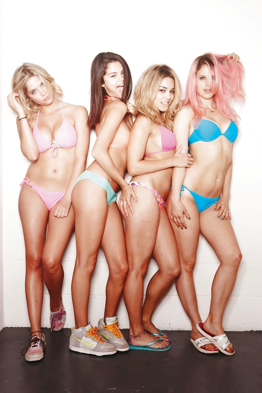 Selena Gomez Vanessa Hudgens Nude Spring Breakers Outtakes