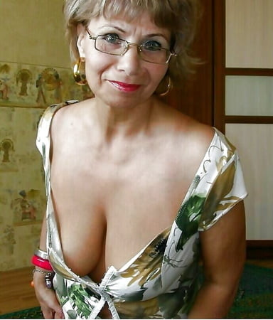 amateur mature cleavage pictures