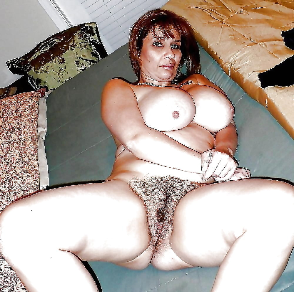 arabian-naked-mom-forbidden-young-girl-nudes